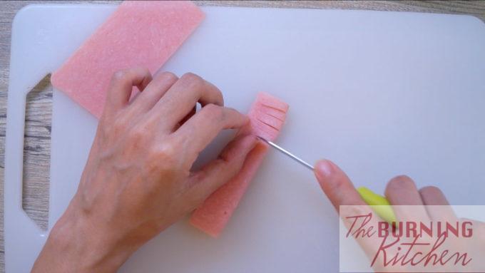 Jambon coupé de façon décorative