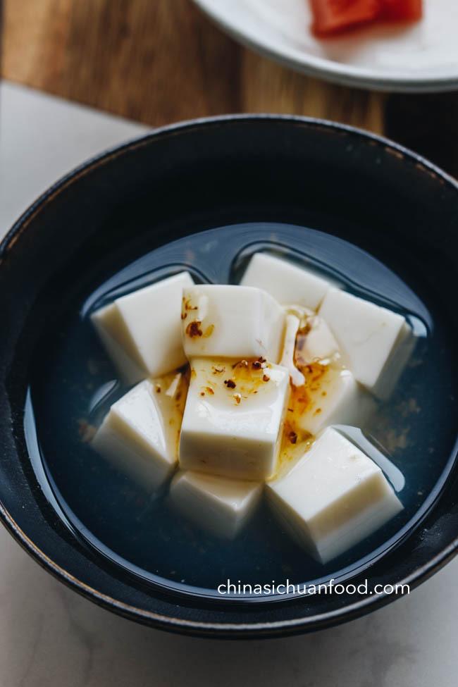 Cette image a un attribut alt vide; son nom de fichier est amande-tofu-11.jpg