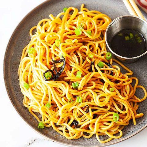 Nouilles à l'huile d'oignons verts