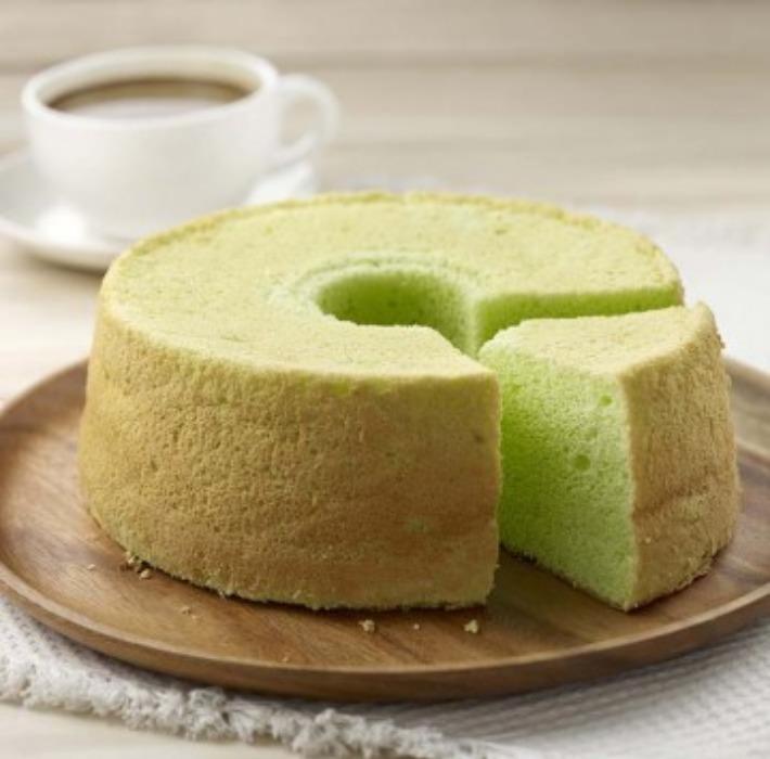 HarriAnns Nyonya Table Pandan Chiffon Cake