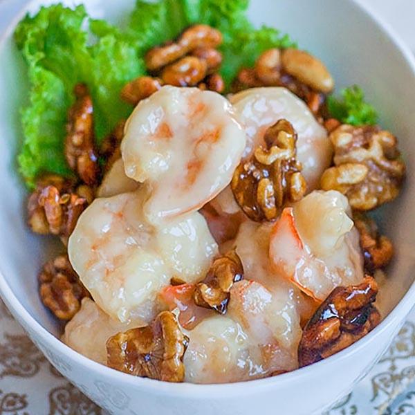 crevettes au miel et aux noix.