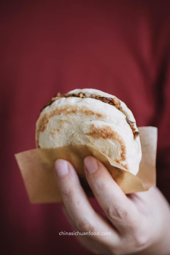 Rou Jia Mo, hamburger chinois   ChinaSichuanfood.com