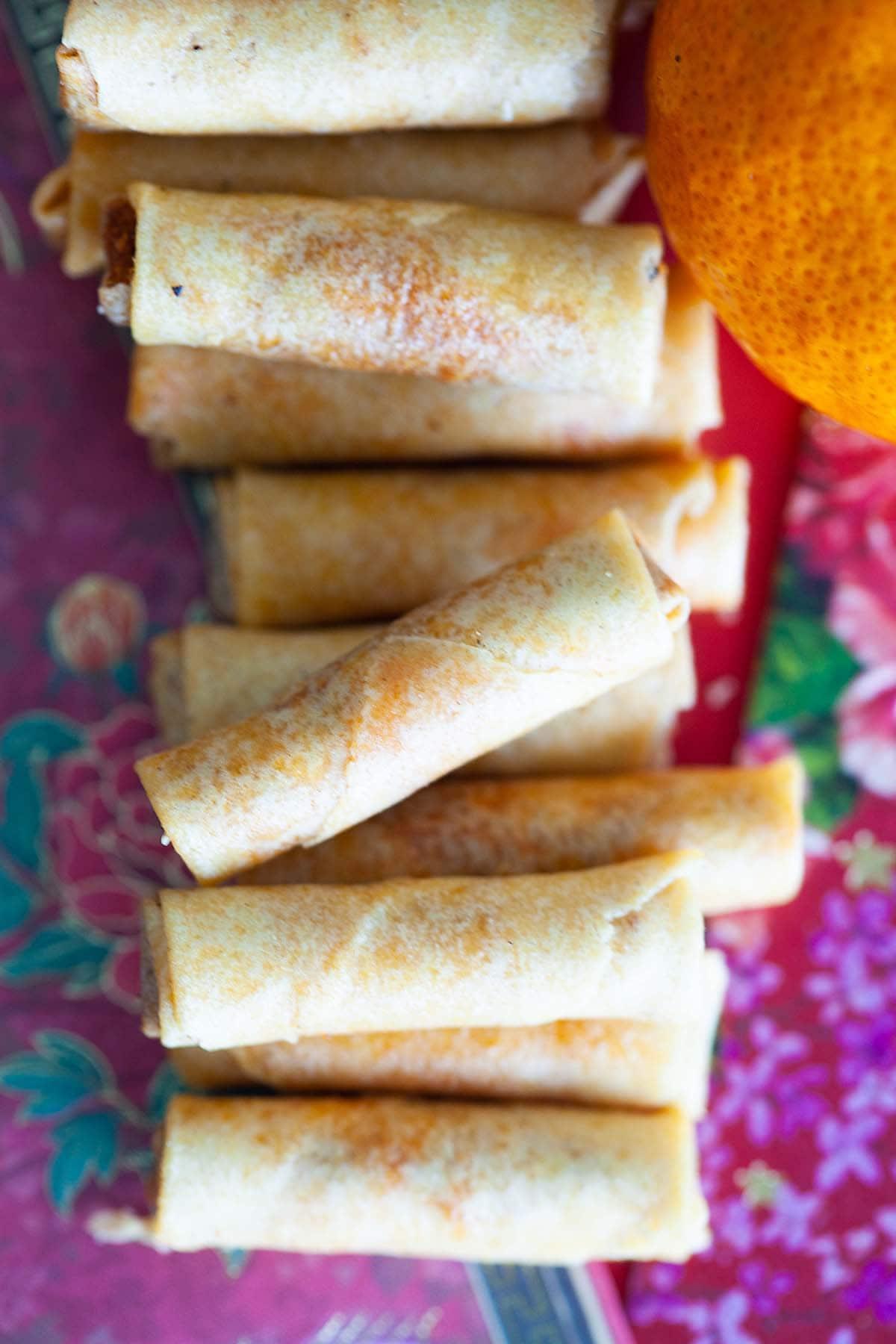 Recette chinoise facile de rouleaux de printemps en soie de poulet.