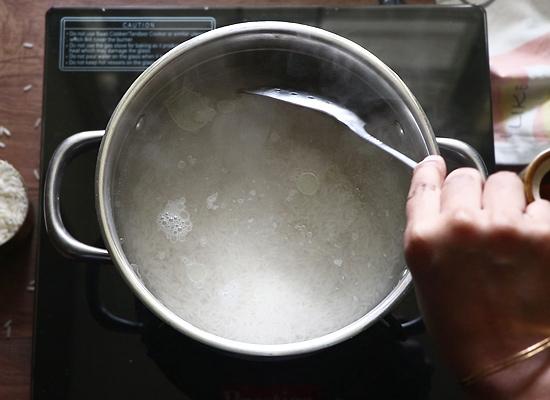 ajouter du riz égoutté
