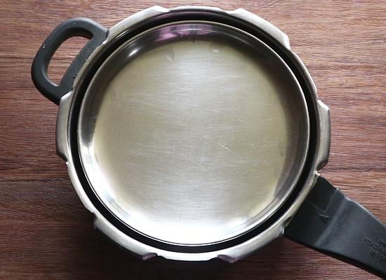 cuire le riz basmati fermer le couvercle