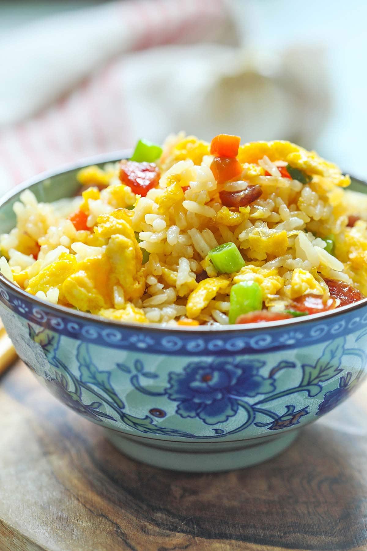 Recette de riz frit chinois avec saucisse chinoise ou lapcheong.