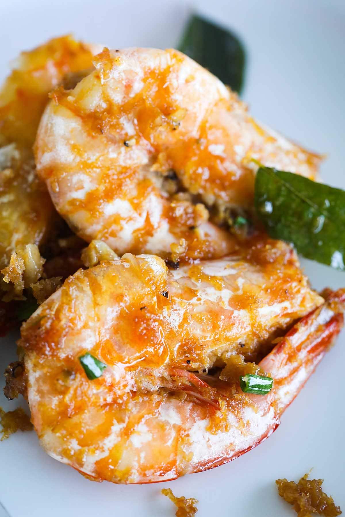 Crevettes au beurre, prêtes à servir.