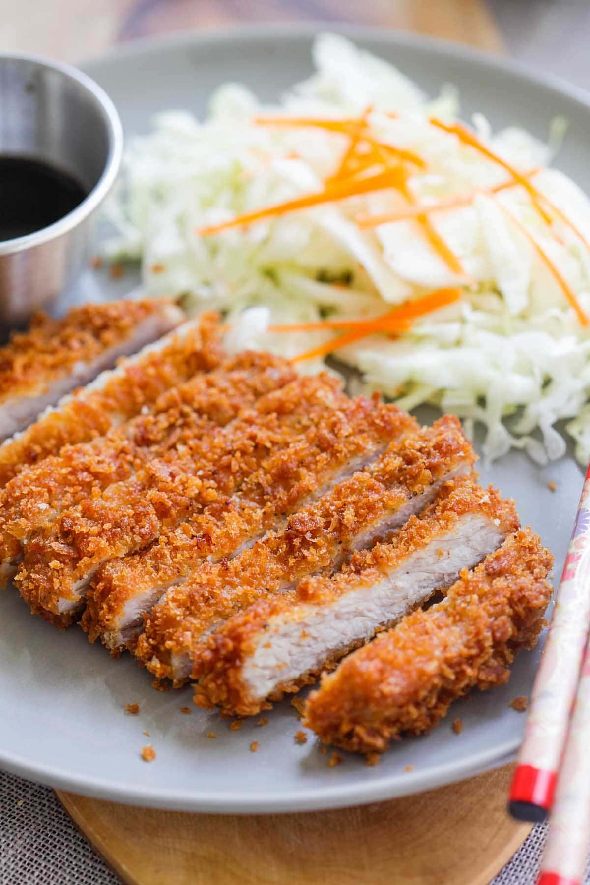 Recette de poulet konkatsu japonais.