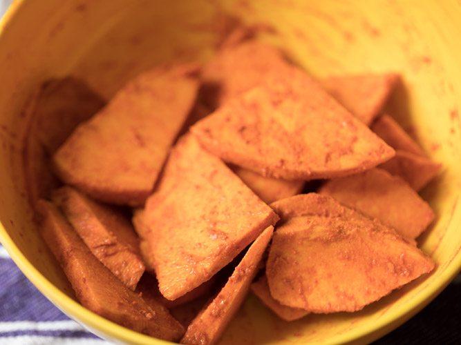 tranches de suran mélangées enrobées d'épices