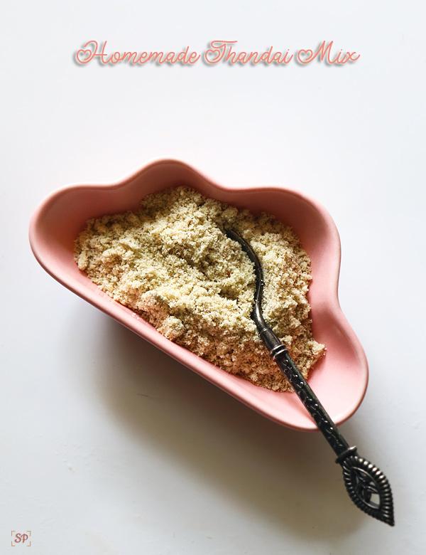 recette de sucettes glacées à la rose thandai