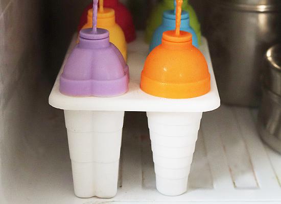 congélation de recette de sucettes glacées au lait condensé