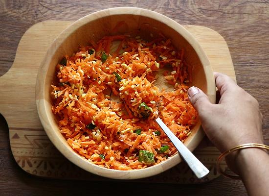 servir la recette de kosambari aux carottes