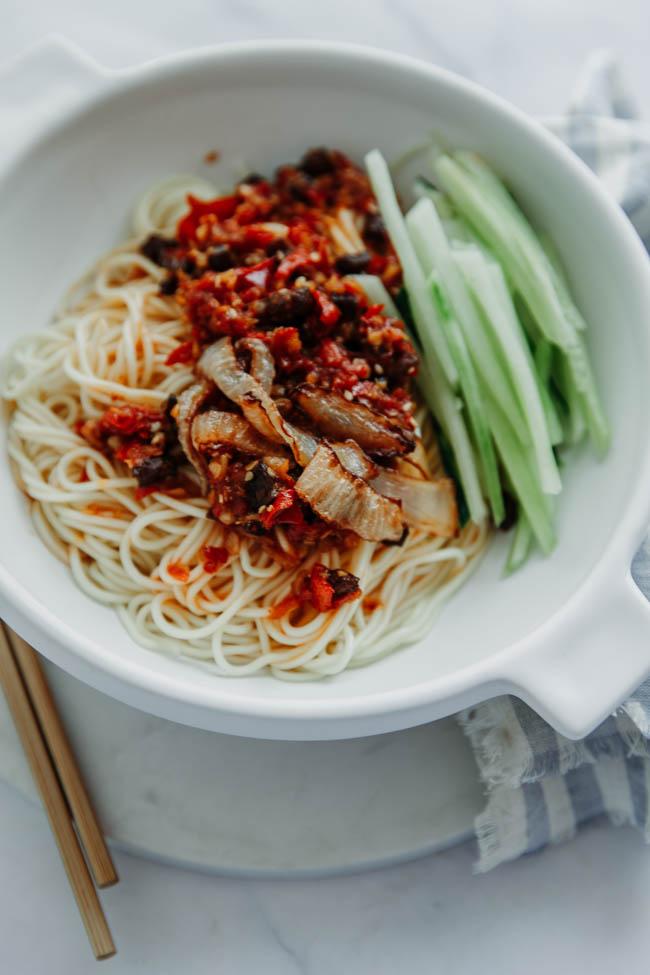 sauce piquante à l'ail | chinasichuanfood.com