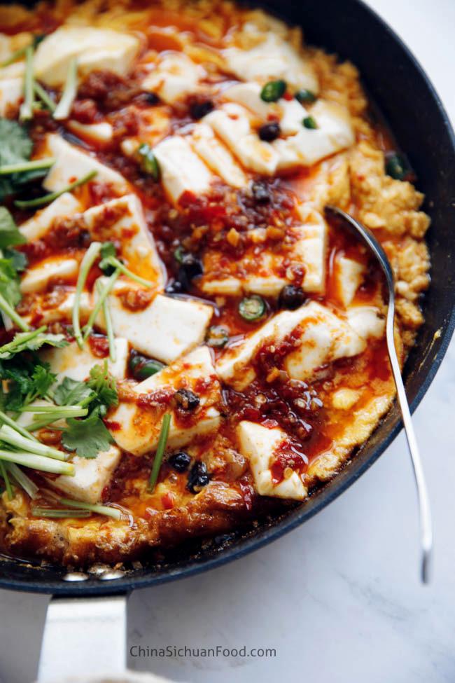 sur pot de tofu et œuf | chinasichuanfood.com