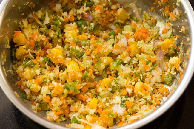 légumes mélangés dans un bol