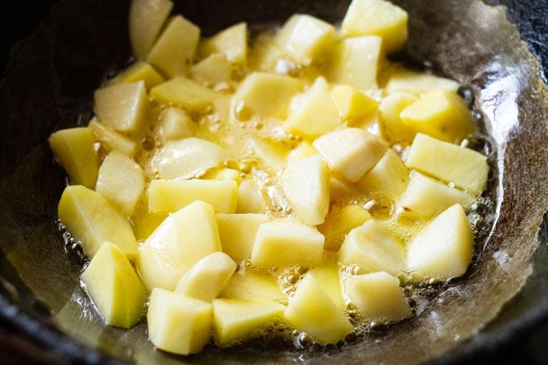 pommes de terre sautées dans l'huile