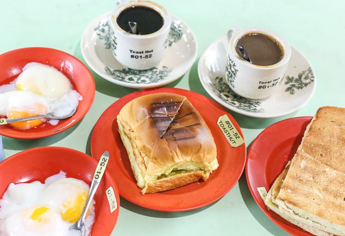 Toast-Hut-Groupe-Shot