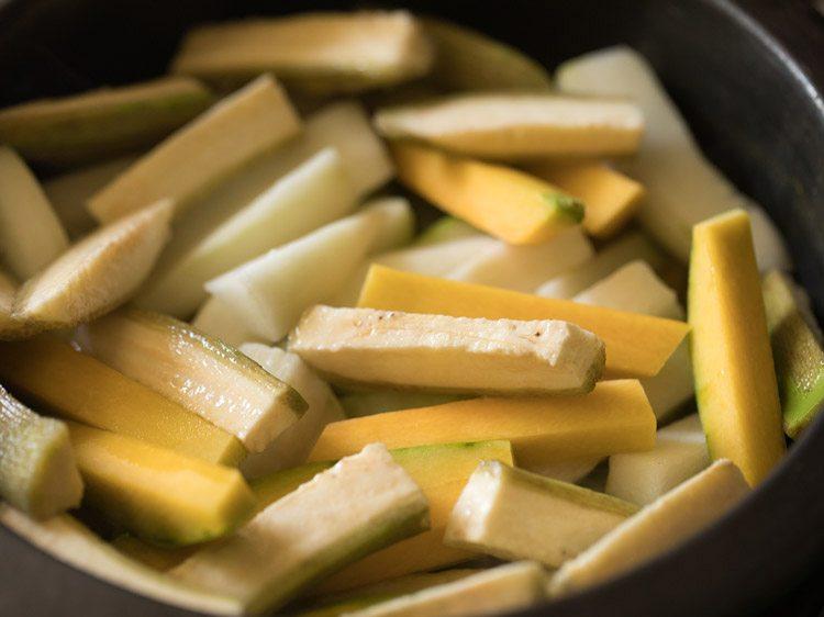 ajouter les légumes restants à la poêle