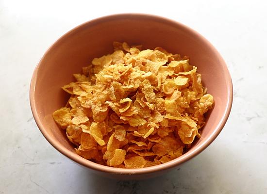 cornflakes dans un bol