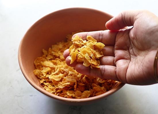 écraser les cornflakes