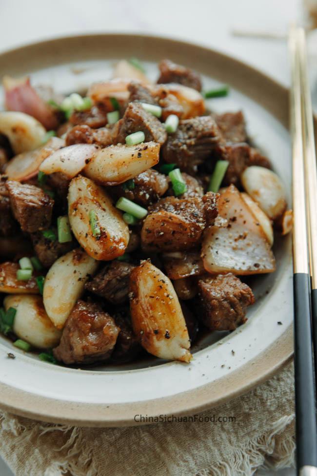 sauté de bœuf et d'ail|chinasichuanfood.com