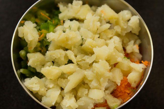 pommes de terre bouillies hachées ajoutées