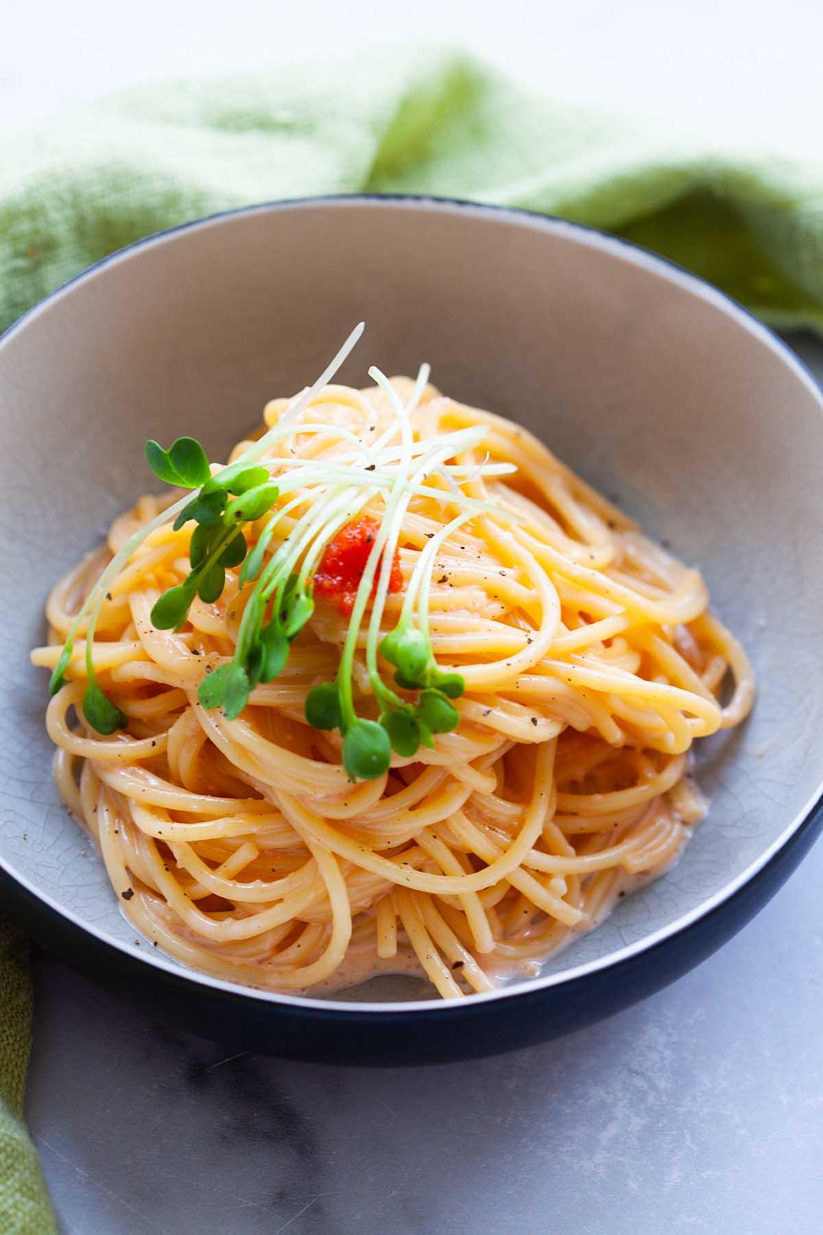 Recette de pâtes mentaiko avec spaghetti et sauce mentaiko.