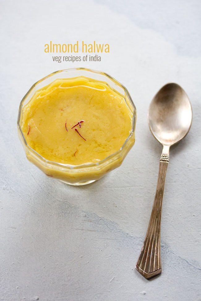 badam halwa servi dans un bol en verre