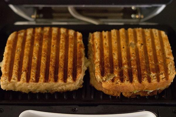 sandwich aux pommes de terre grillées