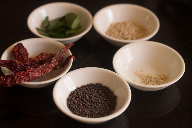ingrédients de trempe pour kathirikai sambar
