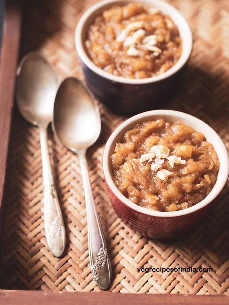 halwa aux pommes servi dans des bols
