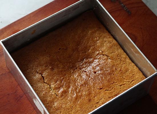 recette de gâteau aux carottes cuit au four, refroidir
