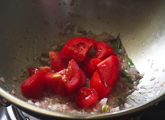ajouter des morceaux de tomatessoja kurma-