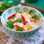 Soupe chinoise au poulet et aux nouilles (recette rapide et facile)