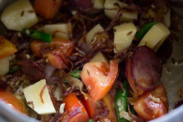 faire sauter le mélange de légumes pendant une minute