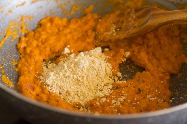 gramme de farine ajoutée au mélange