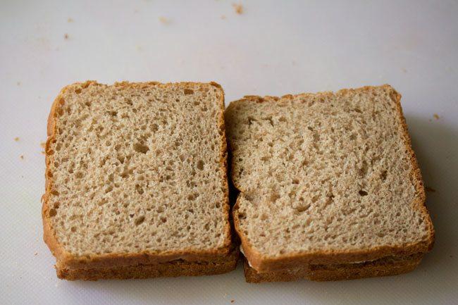 recouvert du reste de la tranche de pain