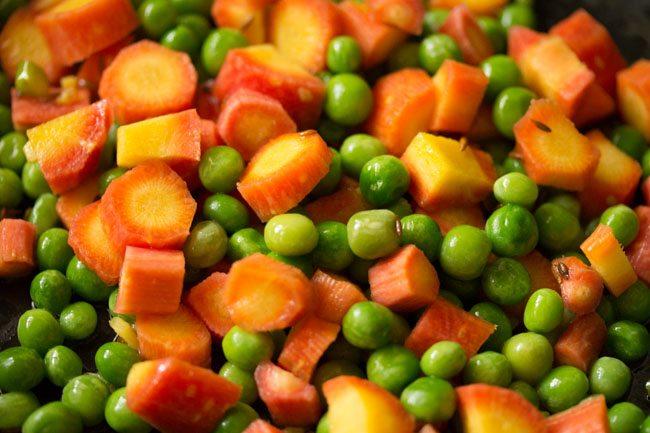 faire sauter les carottes petits pois